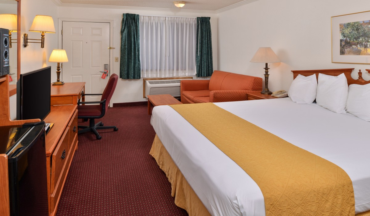Clean and comfortable rooms at a budget in Klamath Falls