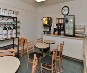 Quality Inn Klamath Falls - Enjoy Continental Breakfast at Quality Inn Klamath Falls