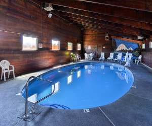 Quality Inn Klamath Falls - Take a dip in our indoor heated pool