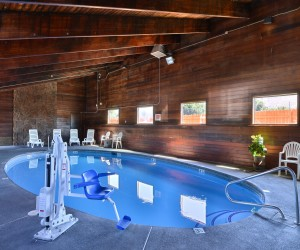 Quality Inn Klamath Falls - Our Heated Pool is open year round at Quality Inn
