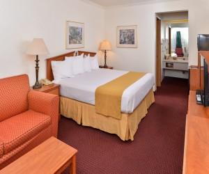 King Bedroom at Quality Inn Klamath Falls