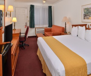 Quality Inn Klamath Falls - Air-Conditioned King Standard at Quality Inn