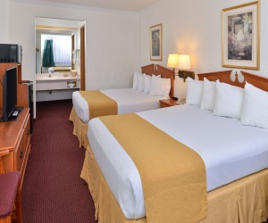 Quality Inn Klamath Falls - Family rooms availableat Quality Inn Klamath Falls